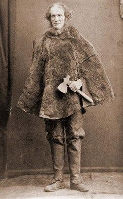 История о легендарном беглеце. Юный британец Джозеф Джонс попался на краже трех булок хлеба и еще какойто мелочи. Чемто он не понравился судье, который выписал ему десяти лет каторги (обычно за