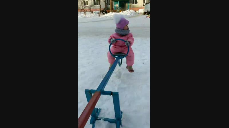 Зимним прогулки Сашеньки