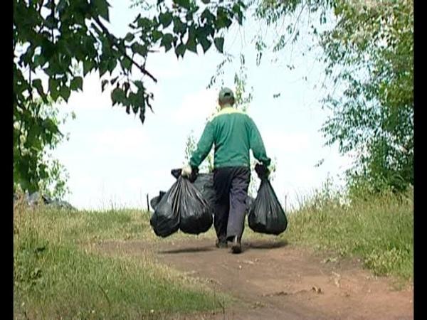 Возле Мелекески собрали более 30 ти мешков мусора