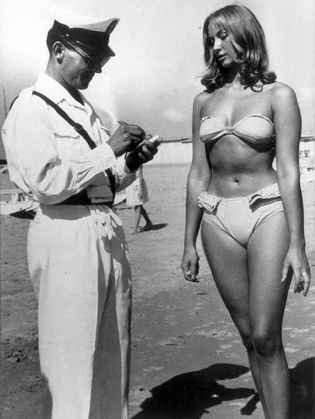 Римини, Италия. 1957 год.