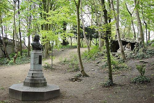 «ПРОШУ НАЗНАЧИТЬ МЕНЯ В ДВОРНИКИ» ИЛИ ПОЕЗДКА В НИДЕРЛАНДЫ В апреле 1717 года, проездом во Францию, Брюссель посетил царь Петр I. Конечно же, проездом, потому что, что тогда представляла,