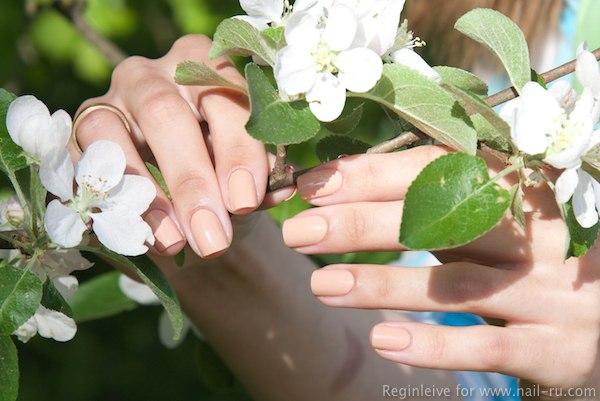 MAC Skin nail polish