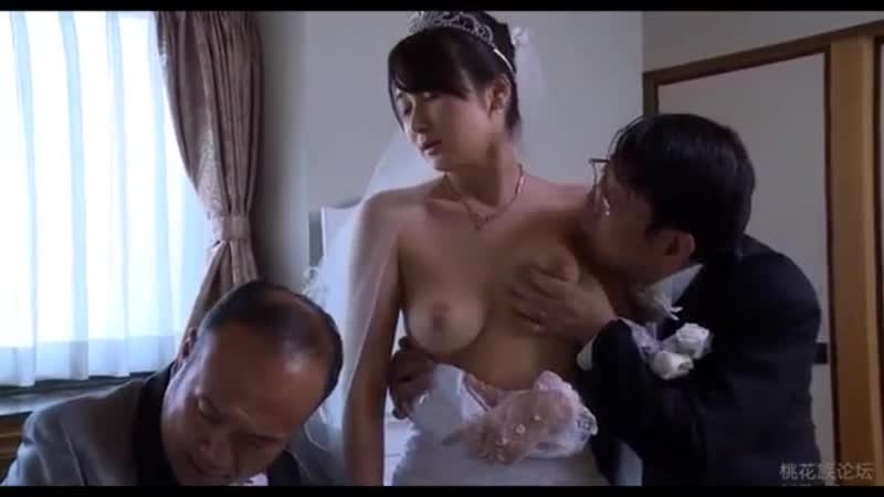 Japanese wife has threesome in brazil — photo 12