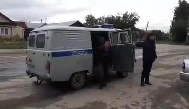 Вместительный полицейский УАЗ Буханка
