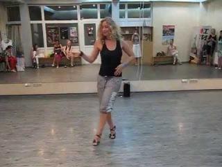 Natalie Karnaukh NY lady style 2014-05-27