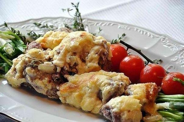 Мясо по-французски с сырным соусом