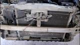 Nissan March  Ниссан Марч  2004 года Снимаем и промываем радиатор охлаждения  1часть