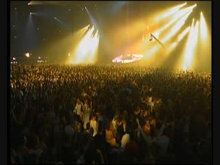 DJ Tiesto feat Kristy Hawkshaw - Just Be (Live 2004)