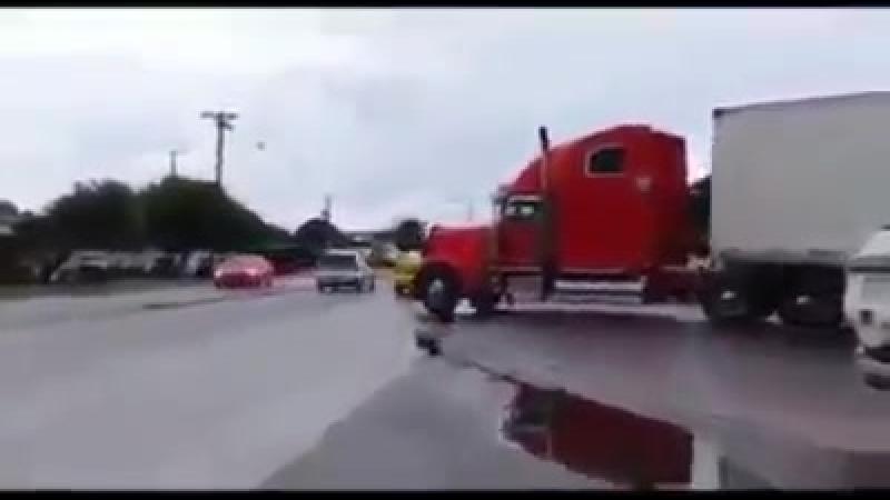 Уступайте Дальнобойщикам дорогу в трудных ситуациях