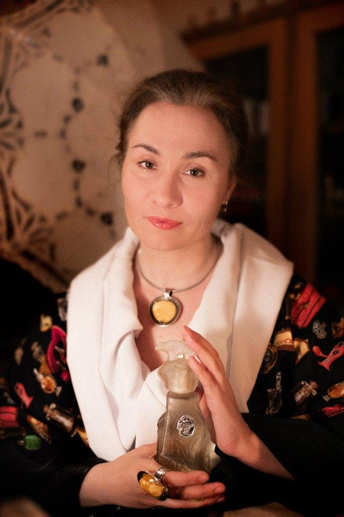 Элина Арсеньева, парфюмерный искусствовед