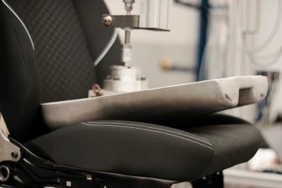 Ford разработал оригинальную методику для тестов сидений (видео)