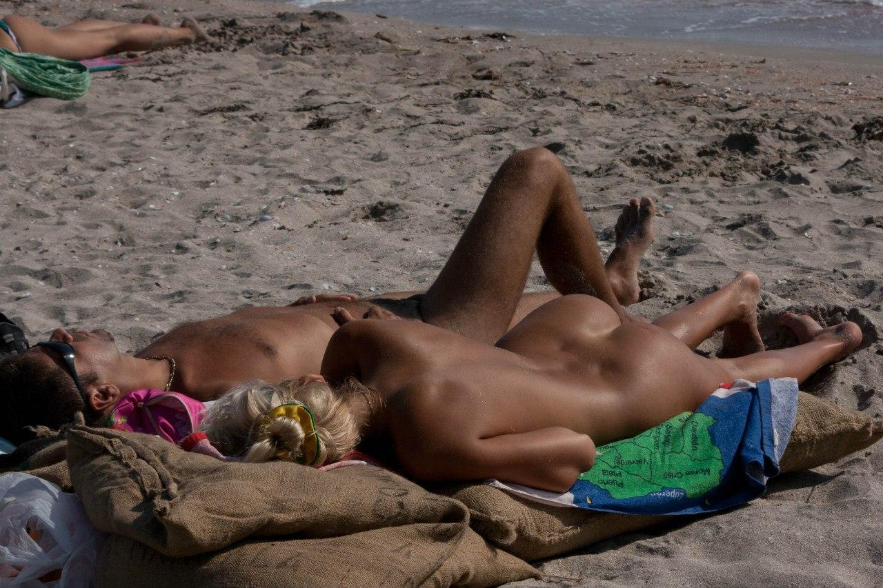 Смотреть бесплатно ролики нудисты пляж секс фото 647-854