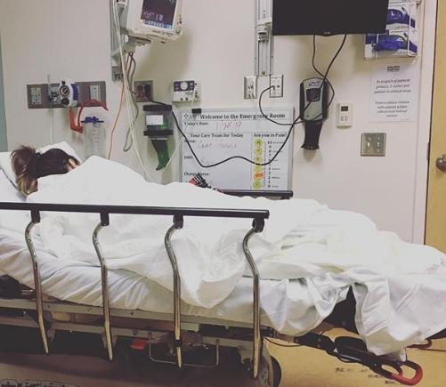 Кейт Бекинсейл попала в больницу после разрыва кисты яичника