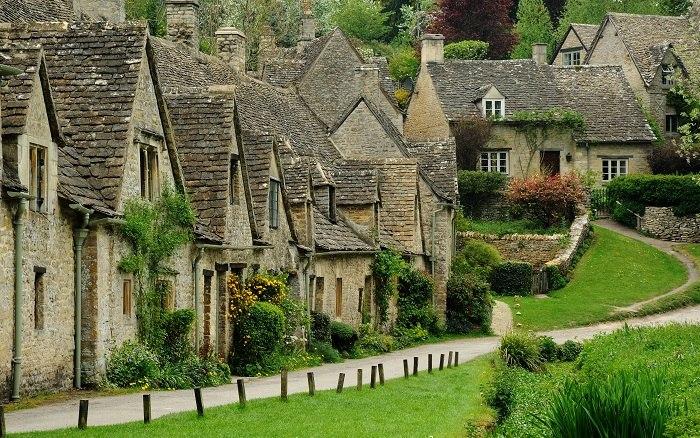 Деревня Бибури, Англия ItTYFt85EDc