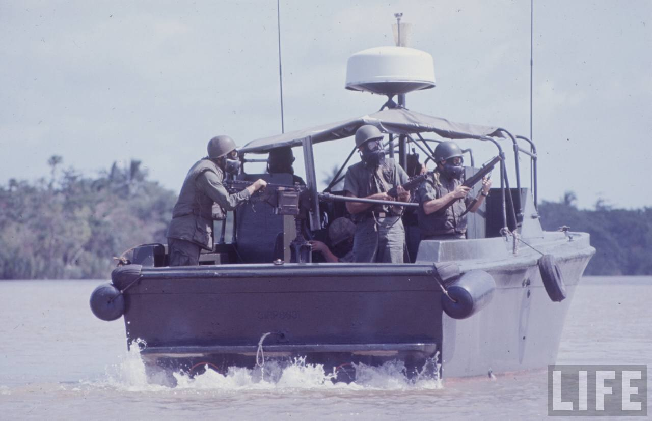 guerre du vietnam - Page 2 GIYneCJTOOk