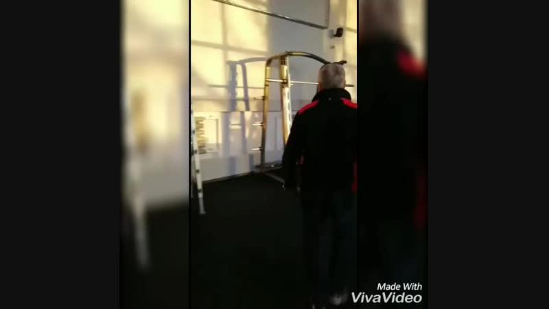 Завершение монтажа тренажеров. Фитнес-центр Зожников