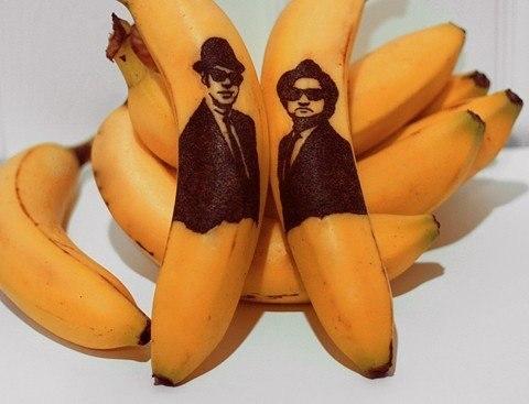 Портреты на банане.))