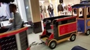 В торговом центре РЕУТОВ-ПАРК рассекает бешеный паровозик