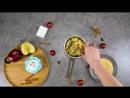 Крутон с камамбером и красными яблоками