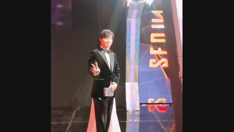190115 Ли Сан Ёп за кулисами церемонии Seoul Music Awards