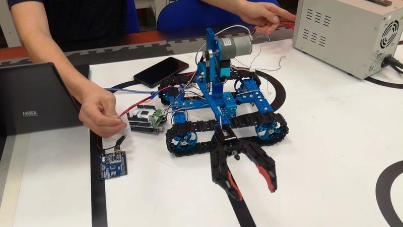 Тестирование схвата клешни робота