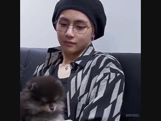 the way taehyung looks at yeontan my heart is gonna explode