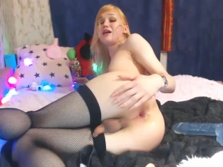 image Blondelashes19 plays with herself in camshow