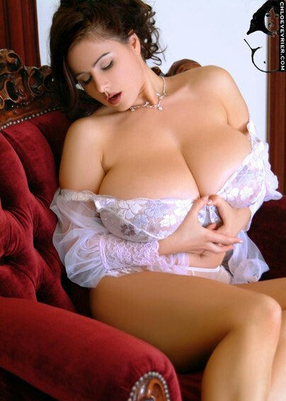 Babes celebrities italian nipples tits