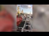 Пассажирский паром врезался в кран в Петербурге