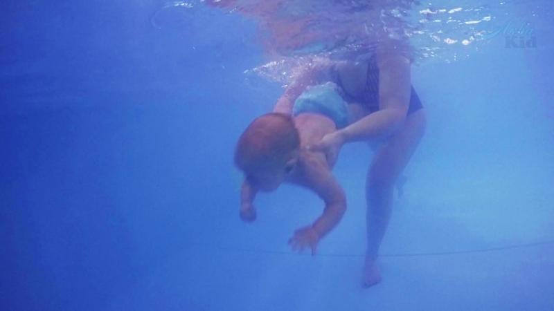Подводная видеосъемка в центре семейного плавания АкваKid Будущий чемпион Глеб 9 месяцев 22 12 17