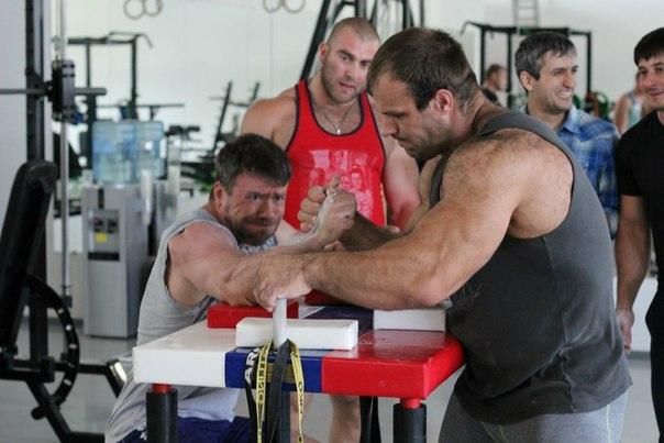 Nicholas Mishta vs. Denis Cyplenkov - Armwrestling Training, 14 June 2014