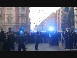 Czech Republic 11.11.2018 - SFC Opava - Banik Ostrava. - Banik friends vs. police before