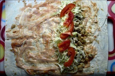 Рецепт шаурмы с курицей Ингредиенты: -300 грамм куриного филе