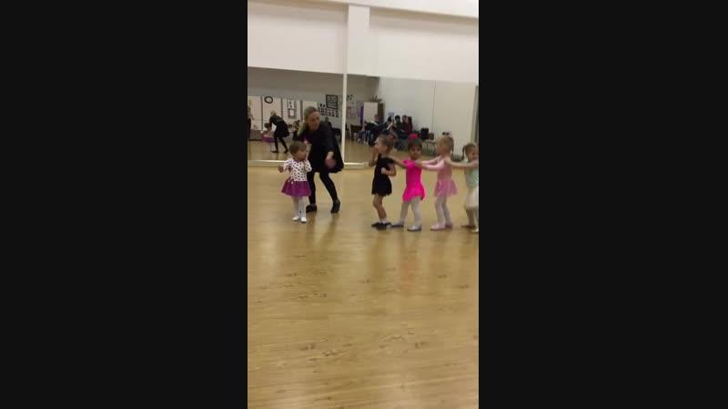 Танец Паровозик 💗
