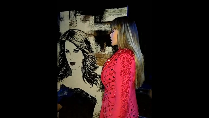 Lucía Méndez Grandes De Los 80s with the portrait on the scene Auditorio Nacional CDMX 31 08 2018