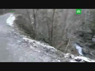 БТР с российскими военными упал в ущелье в Абхазии: трое погибших