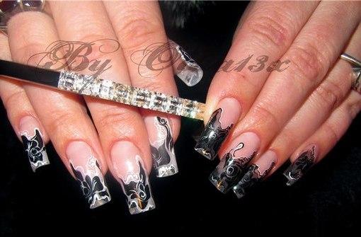 Роспись на ногтях черный цвет