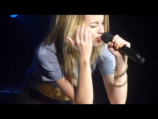 5:15 - Bridgit Mendler (Live @ Oregon State Fair, Salem, Oregon) Front Row, August 31, 2013