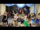 Выступление вожатых на дне танцев