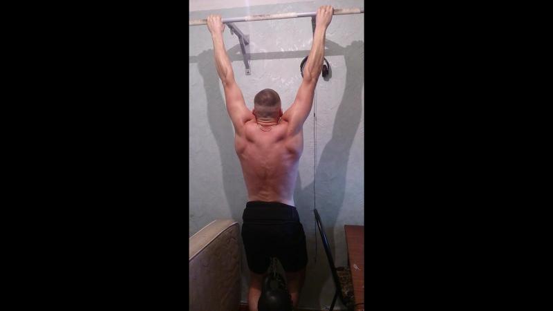 Подтягивания с гирей 32 кг, 10 повторов) цель 15