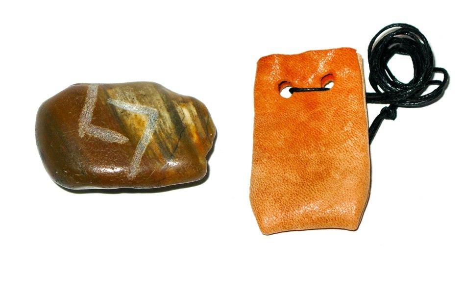 Рунические амулеты, талисманы ( камень ) с магическими программами.  Rl4BxaJrbk8