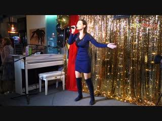 Популярная певица Анетта - «Бегу»