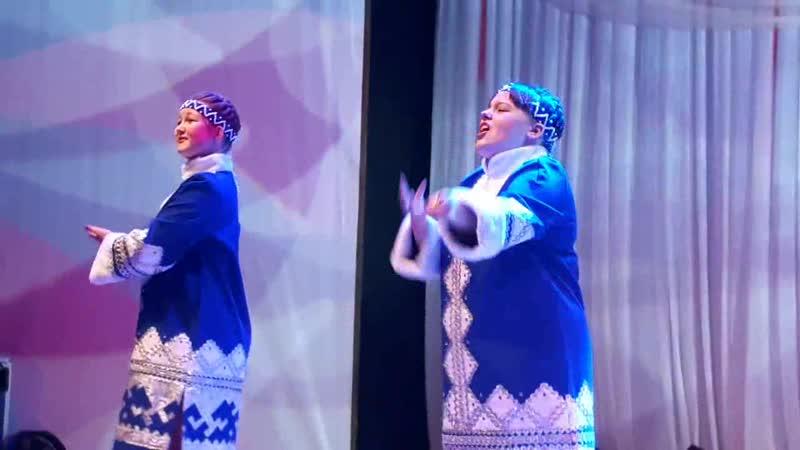 Александра Нефедова и Инга Скутина (песня Коми край)
