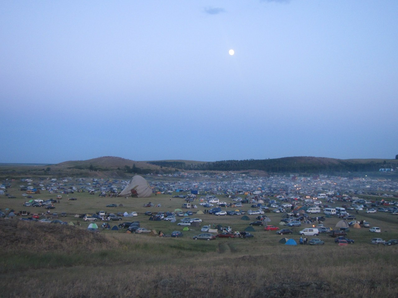 Вид на лагерь с северо-западной стороны (25.06.2013)