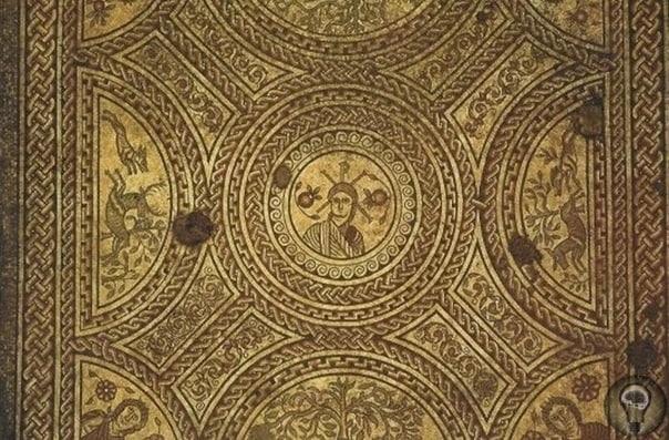 5 самых древних изображений Иисуса Христа 1. Базилика Санта-СабинаЦерковь находится в Риме. Сейчас это главный храм ордена доминиканцев. Была построена церковь в 432 году. По типу это