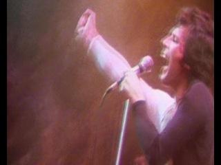 ► Смотреть видео клип Queen на песню We Are The Champions music.ivi.ru/watch/queen_we-are-the-champions/