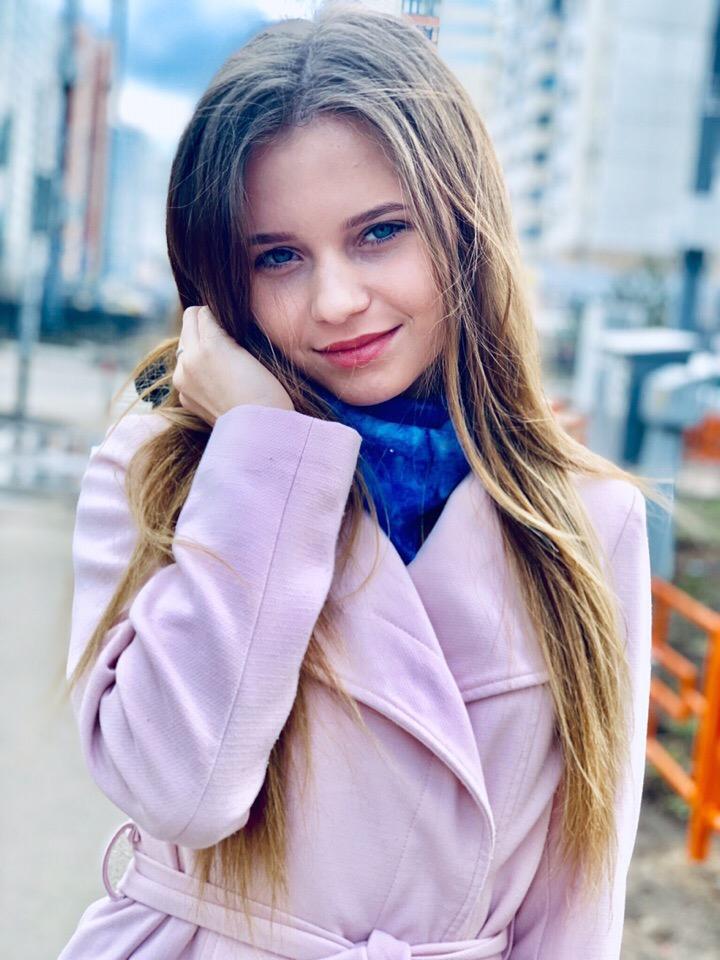 Alisa Kozhikina - Page 21 ZwRJc8EeV-U