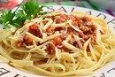 Спагетти с фаршем и томатной пастой