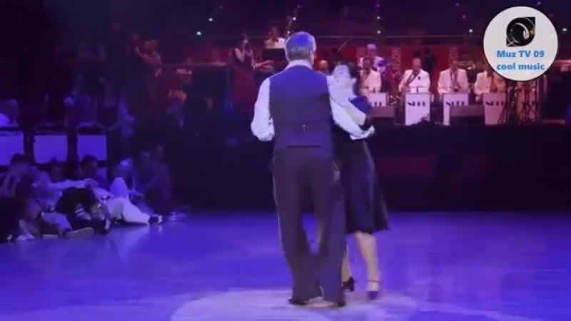 Танцевать умеет не только молодёжь...