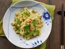 Рис с яйцом и крабовым мясом